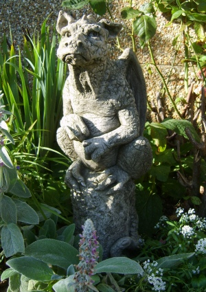 Ambrose old dragon statue sculpture for the garden